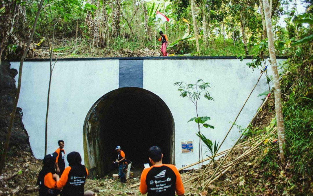 Gotong Royong Membersihkan Wajah Terowongan Wilhelmina dan Juliana