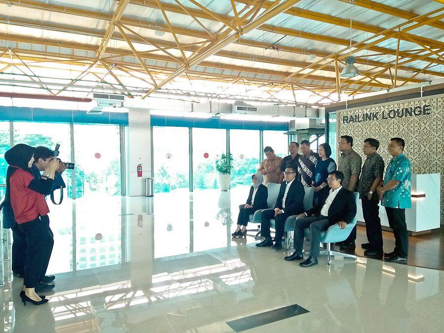 Dokumentasi Foto Direksi dan Manajemen Senior PT Railink
